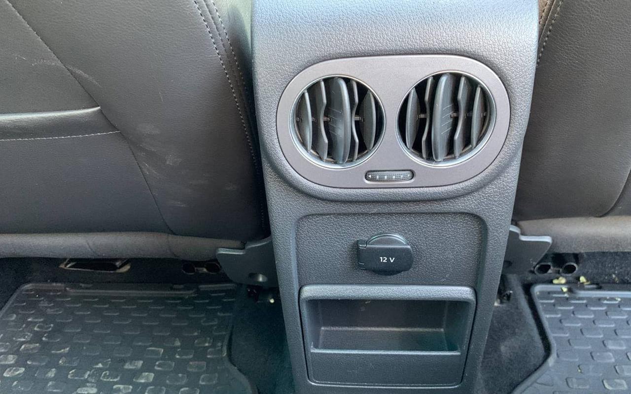 Volkswagen Tiguan 2012 фото №17