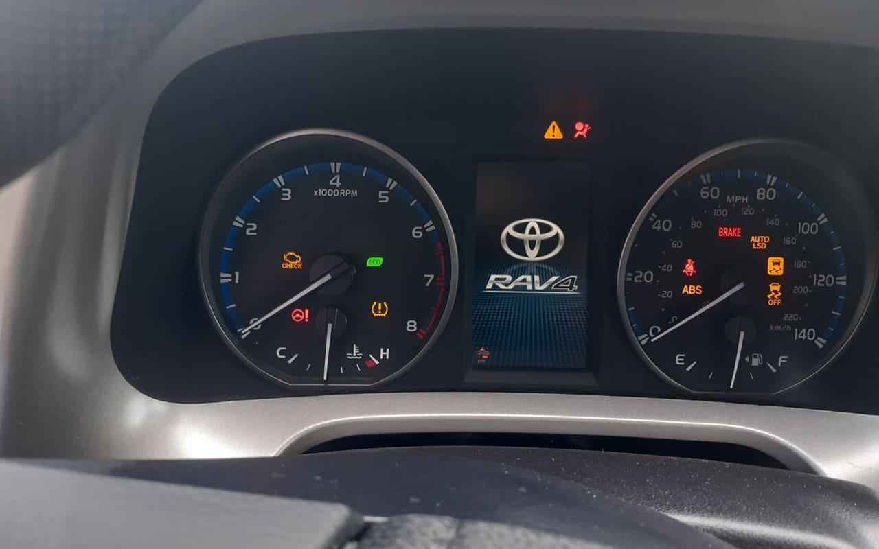 Toyota RAV4 Le 2018 фото №10