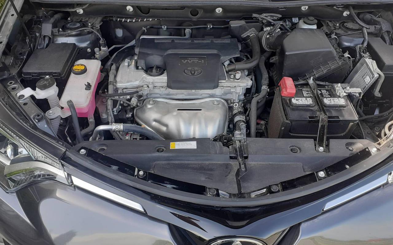 Toyota RAV4 Le 2018 фото №12