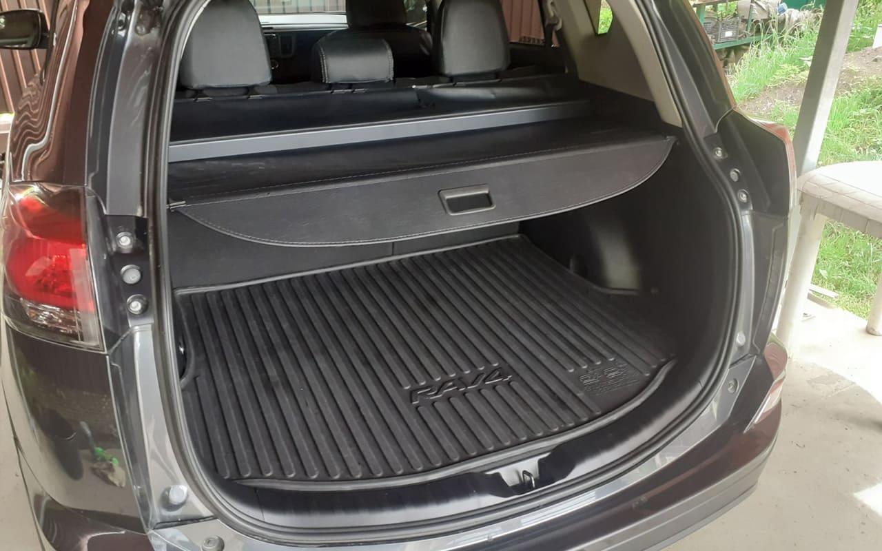 Toyota RAV4 Le 2018 фото №13