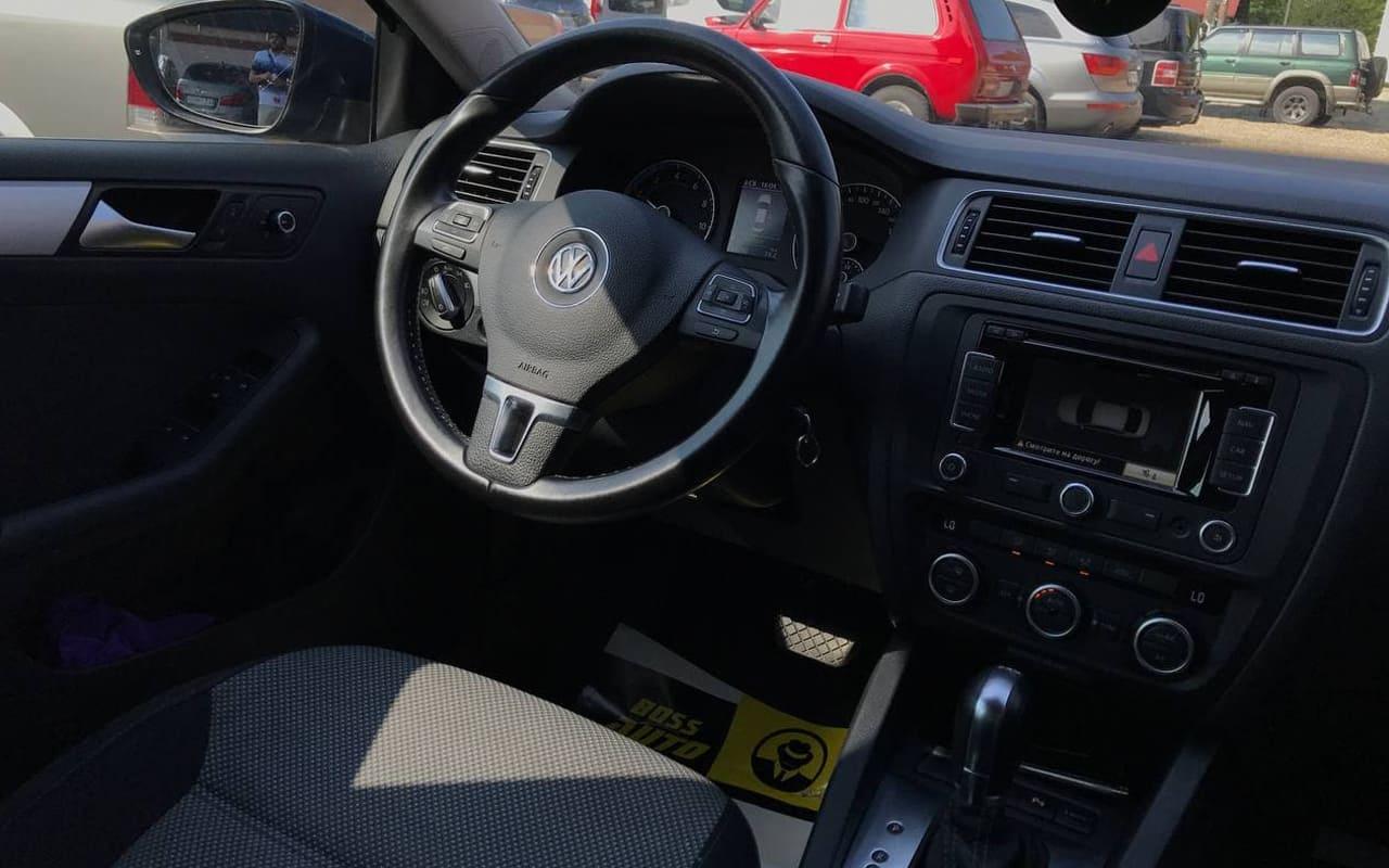 Volkswagen Jetta 2013 фото №17