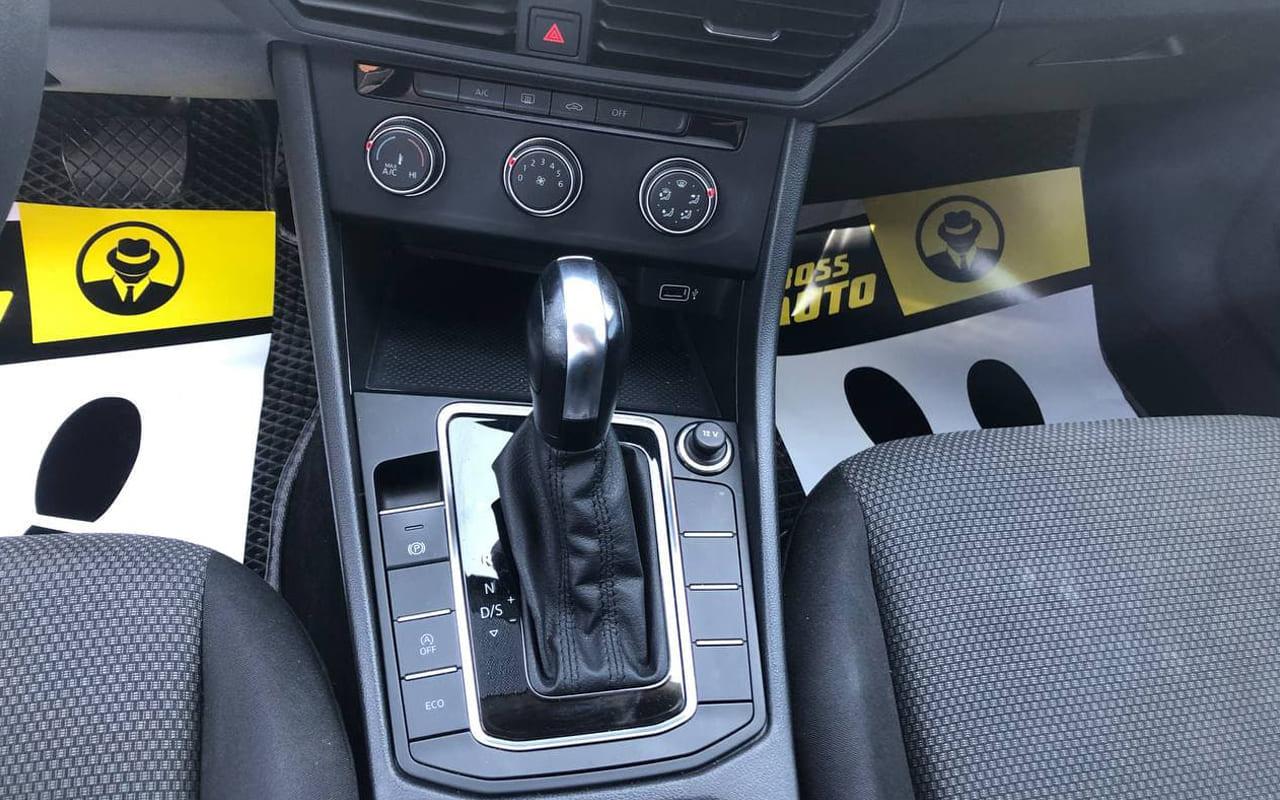 Volkswagen Jetta 2018 фото №12