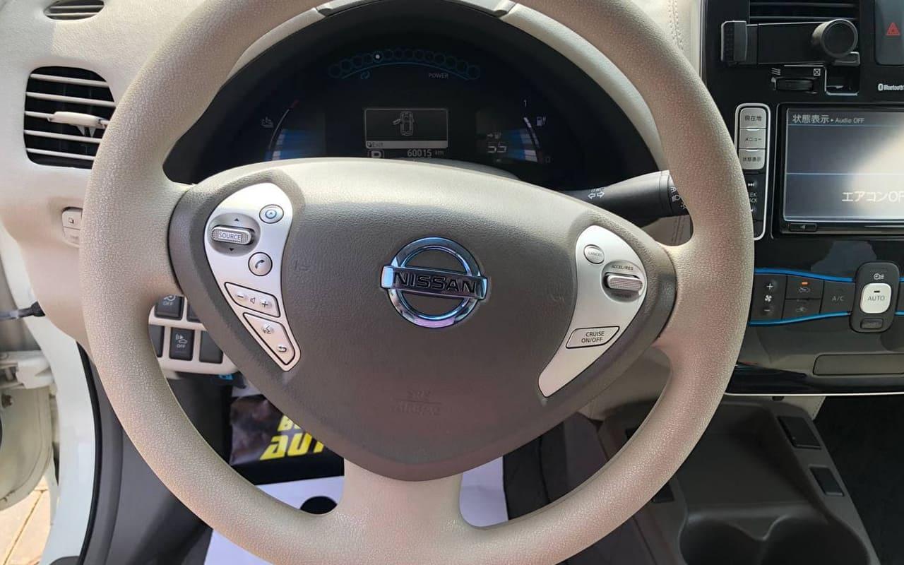 Nissan Leaf 2012 фото №14