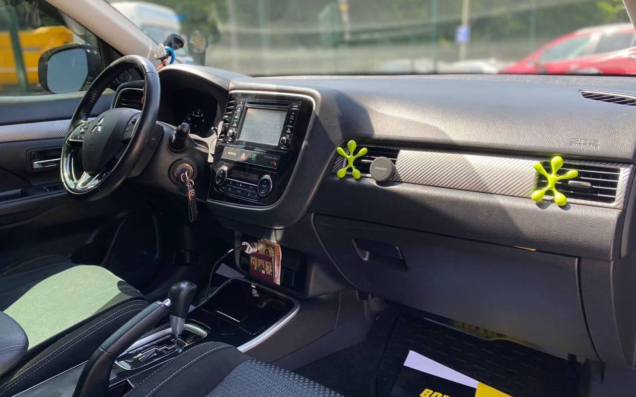 Mitsubishi Outlander 2017 фото №16
