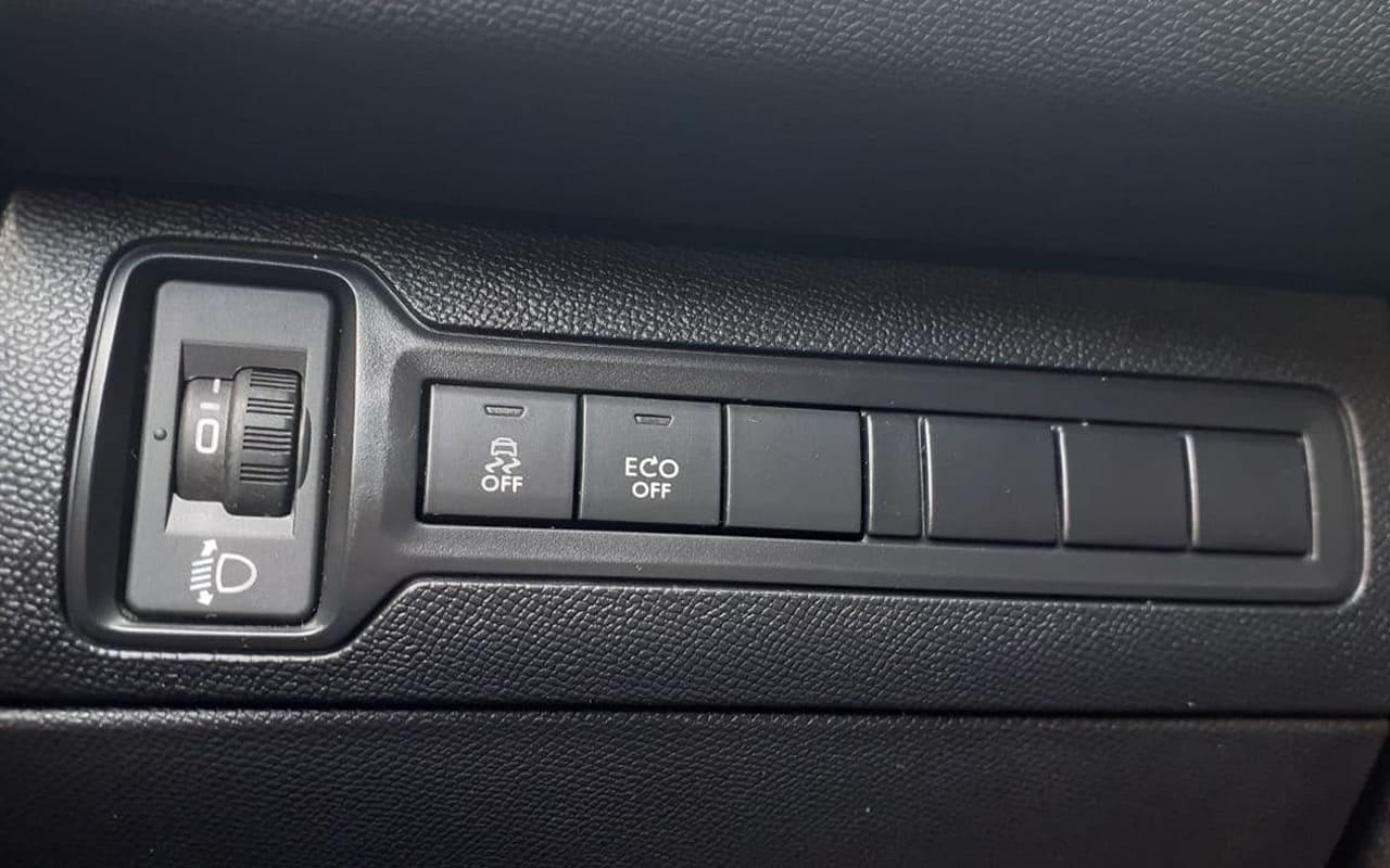 Peugeot 308 2015 фото №19