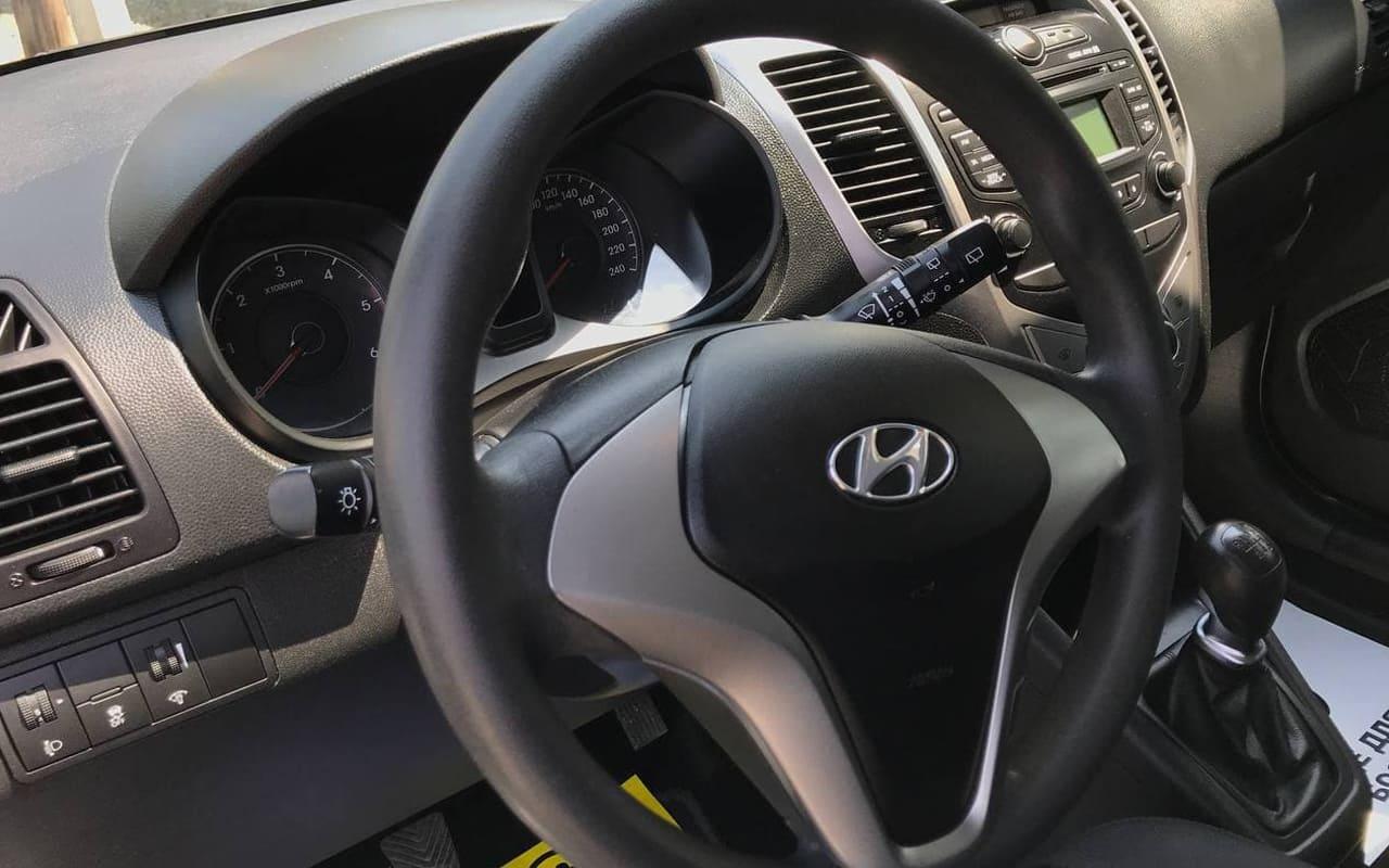 Hyundai IX20 2013 фото №13