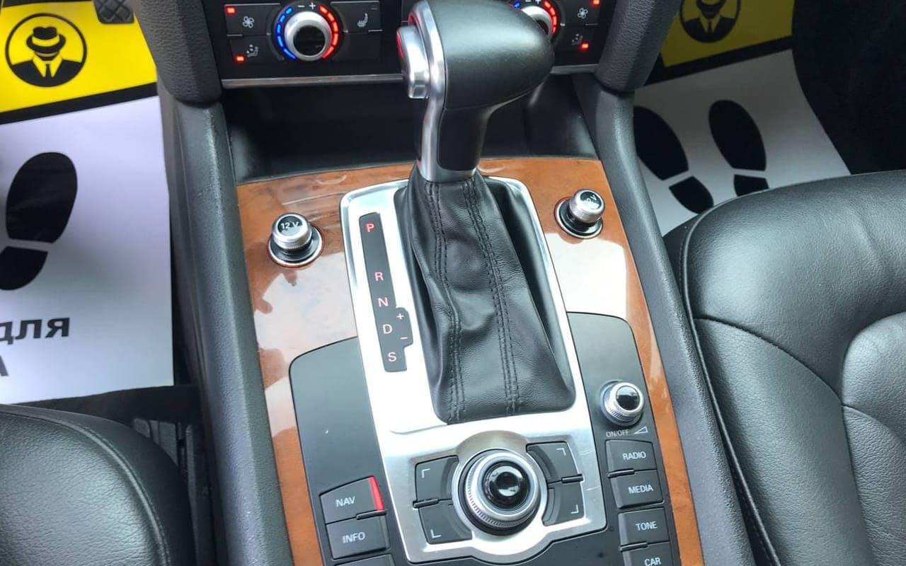 Audi Q7 2013 фото №18