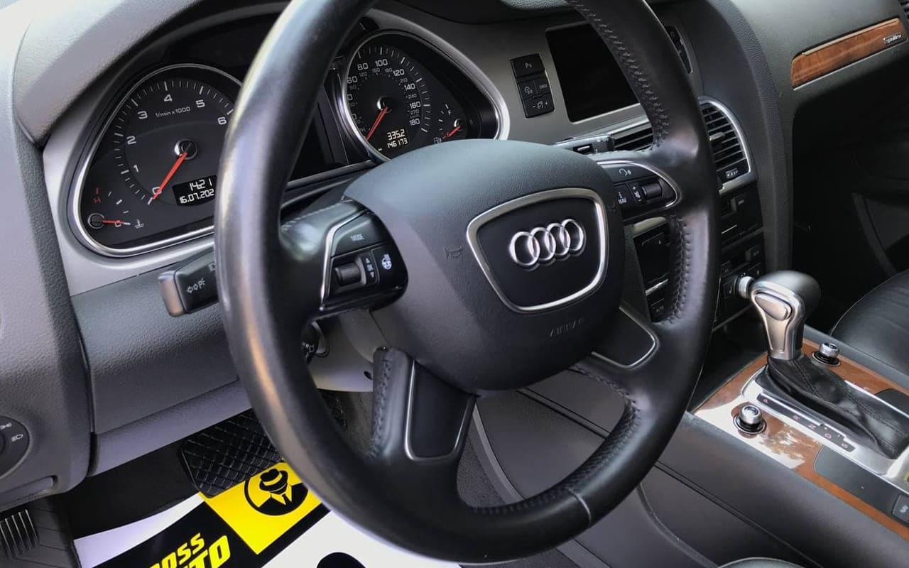 Audi Q7 2013 фото №19