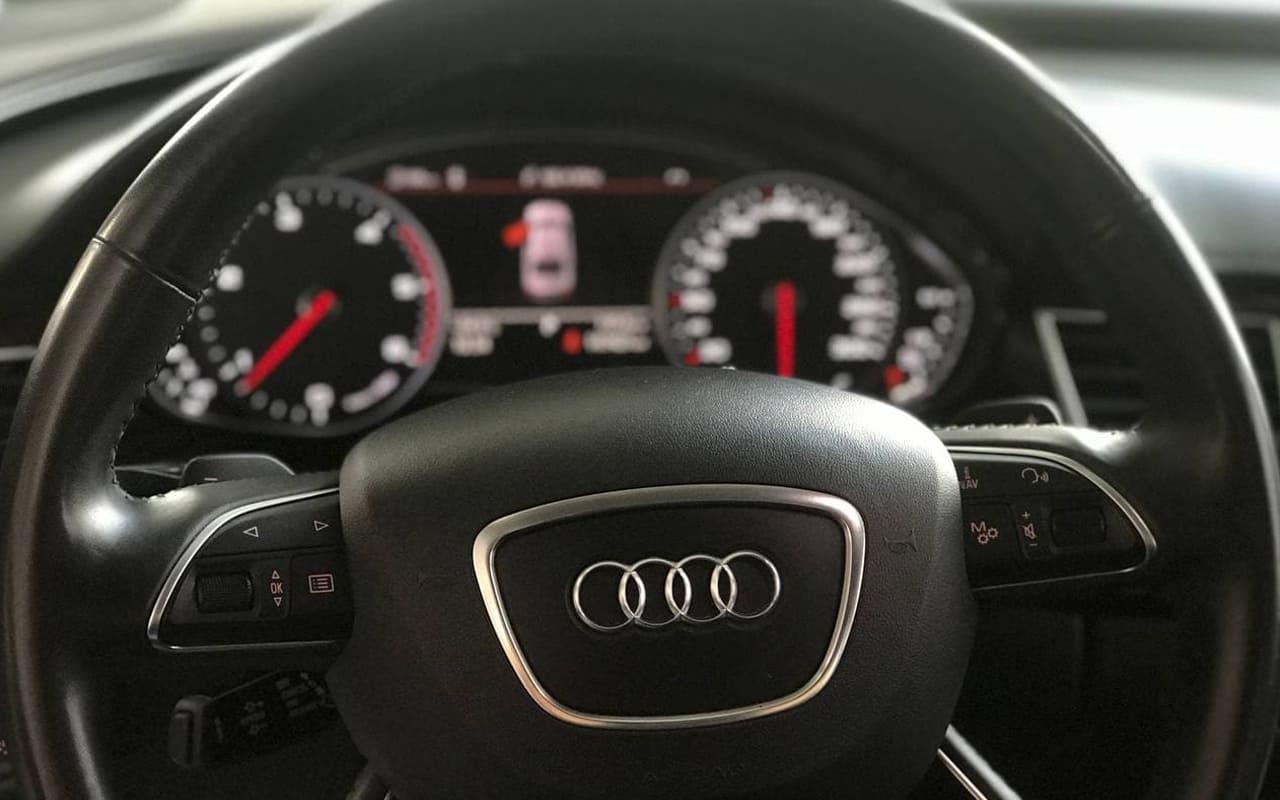Audi A8 Long 2017 фото №18