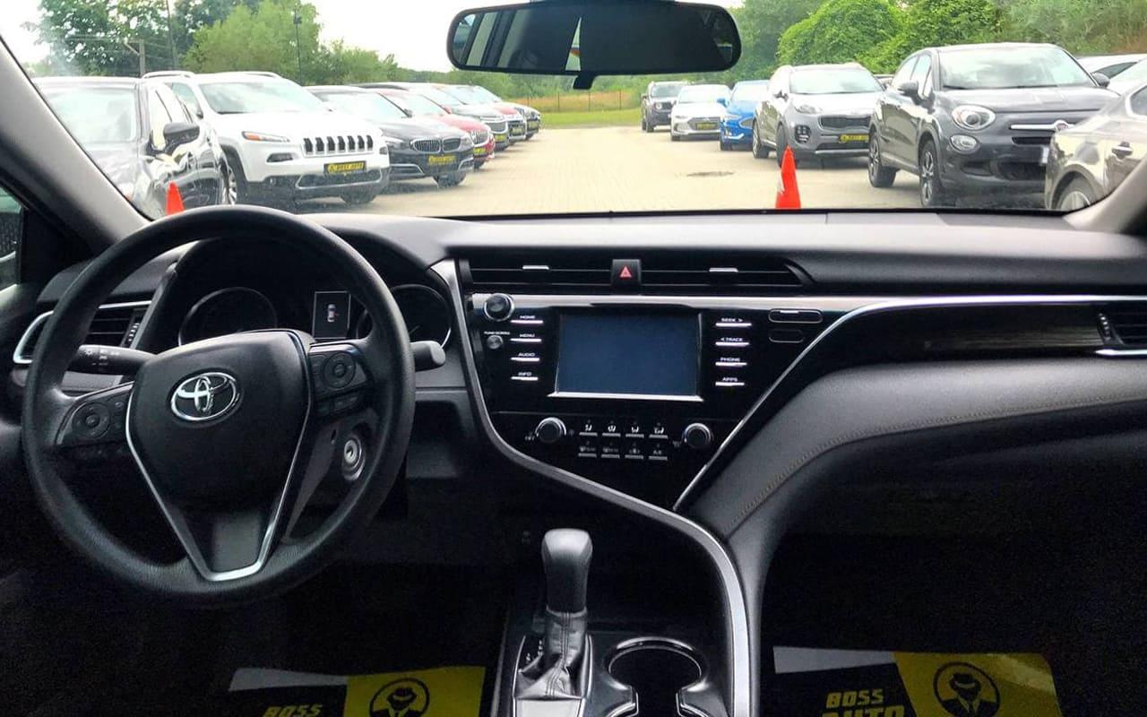 Toyota Camry L 2018 фото №14