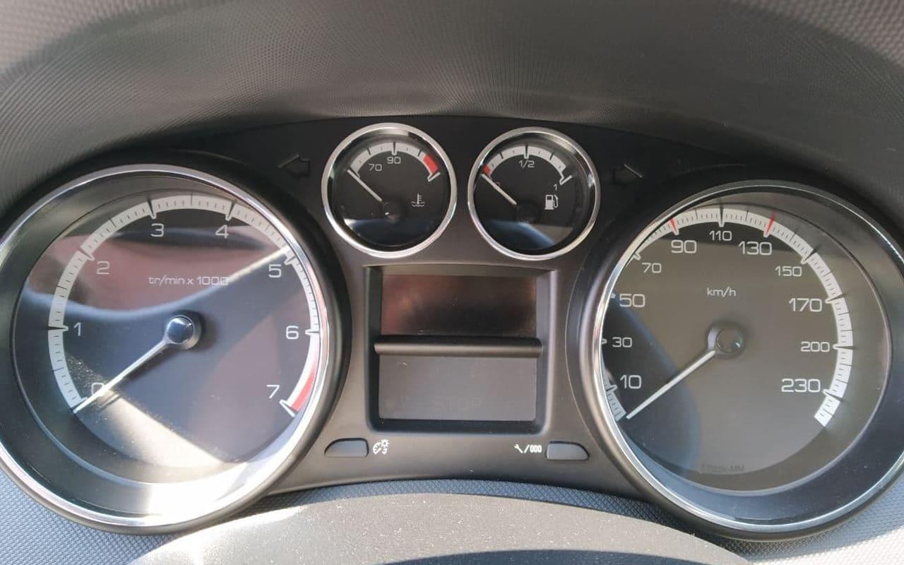 Peugeot 308 SW 2011 фото №16