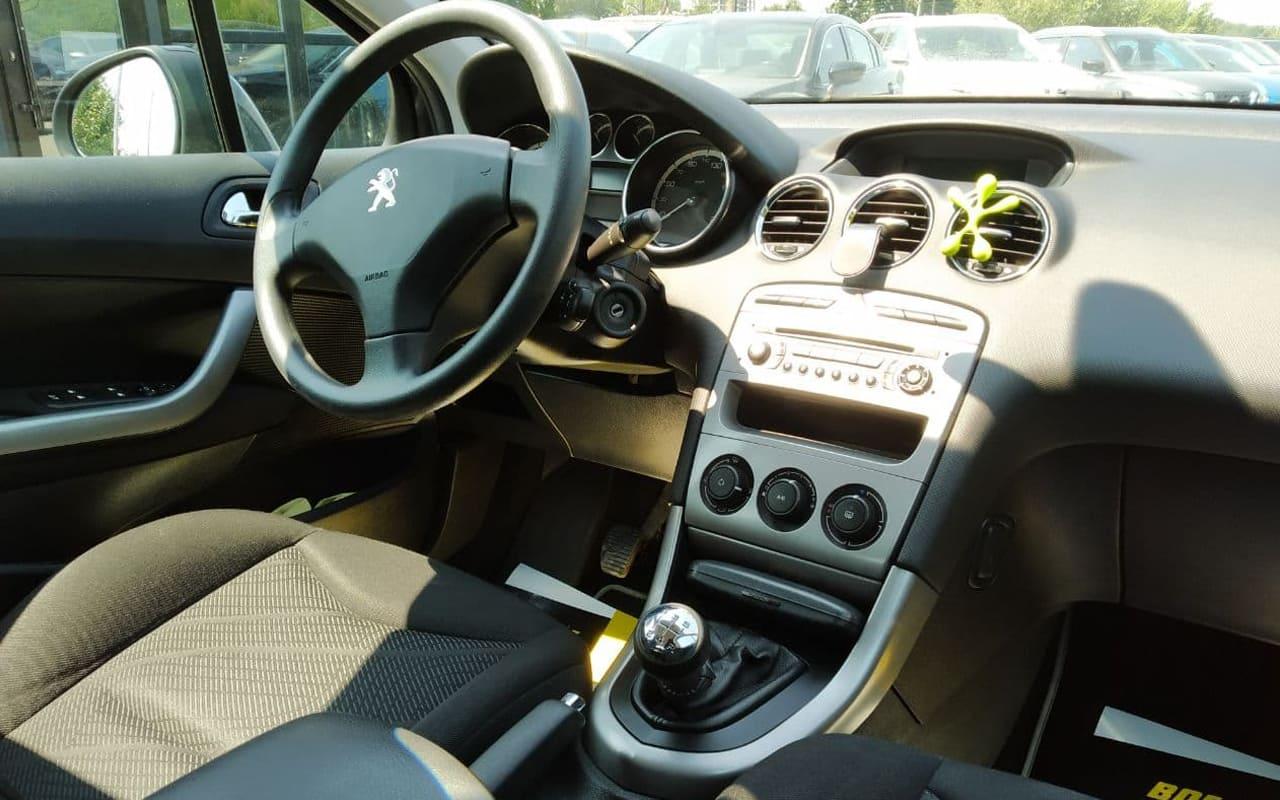 Peugeot 308 SW 2011 фото №17
