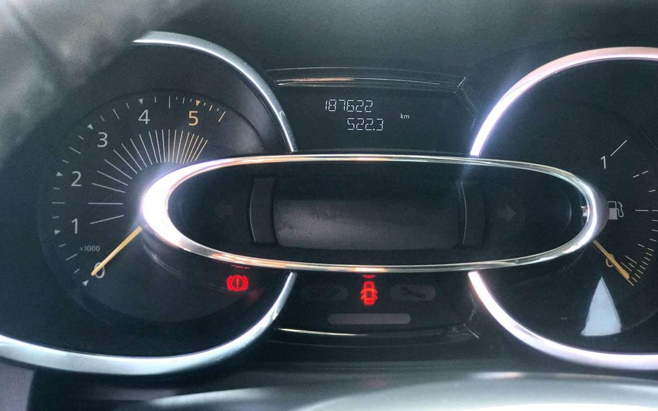 Renault Clio 2014 фото №11