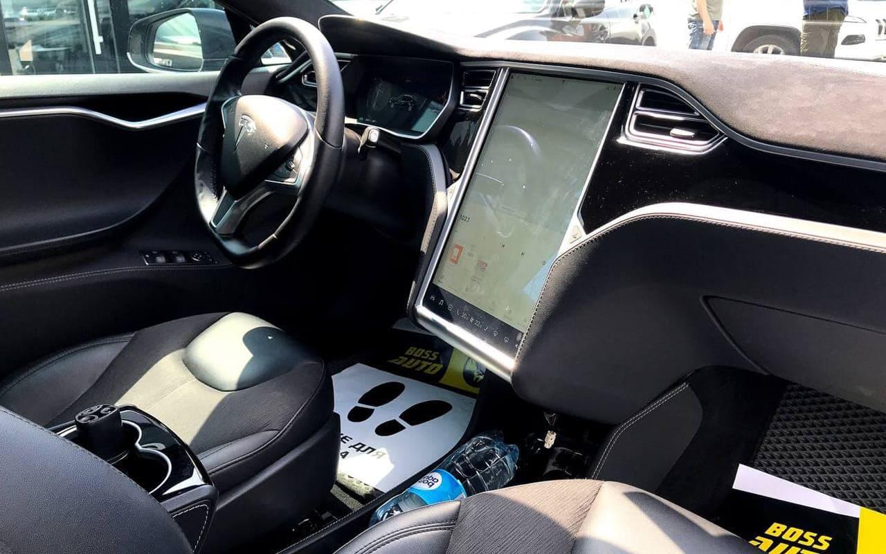 Tesla Model S 70D 2015 фото №11