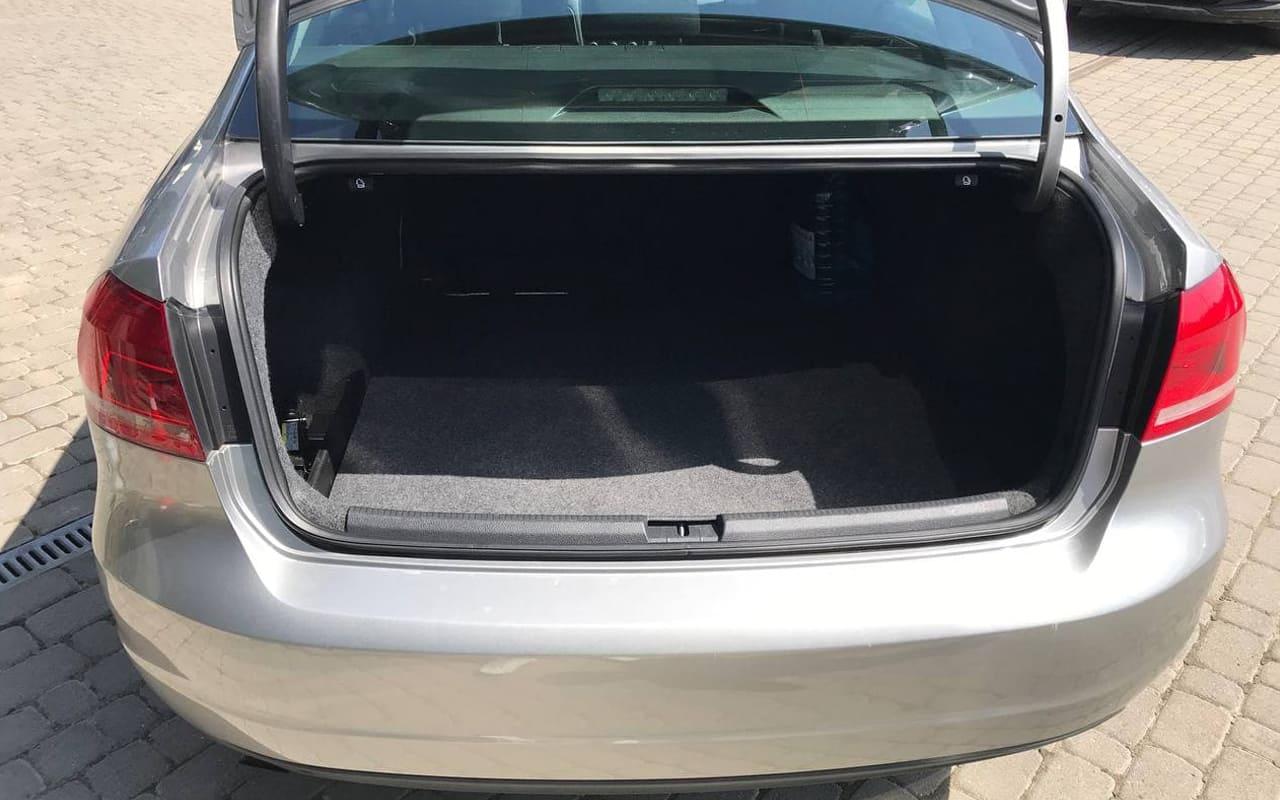 Volkswagen Passat S 2012 фото №17