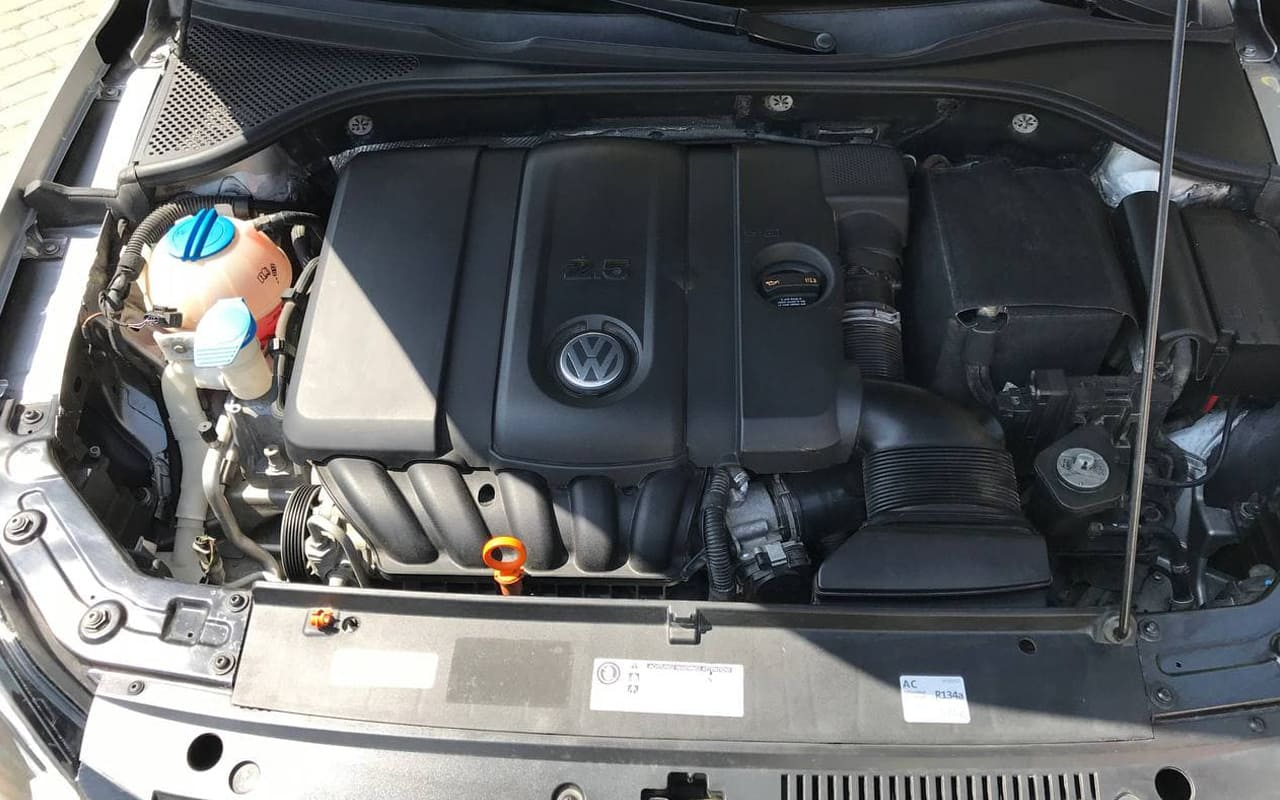 Volkswagen Passat S 2012 фото №19