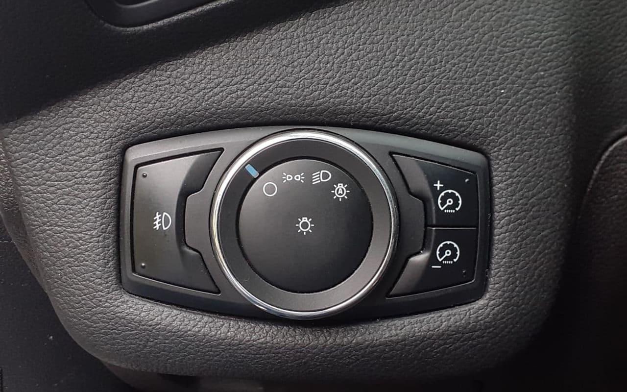 Ford Escape 2012 фото №17