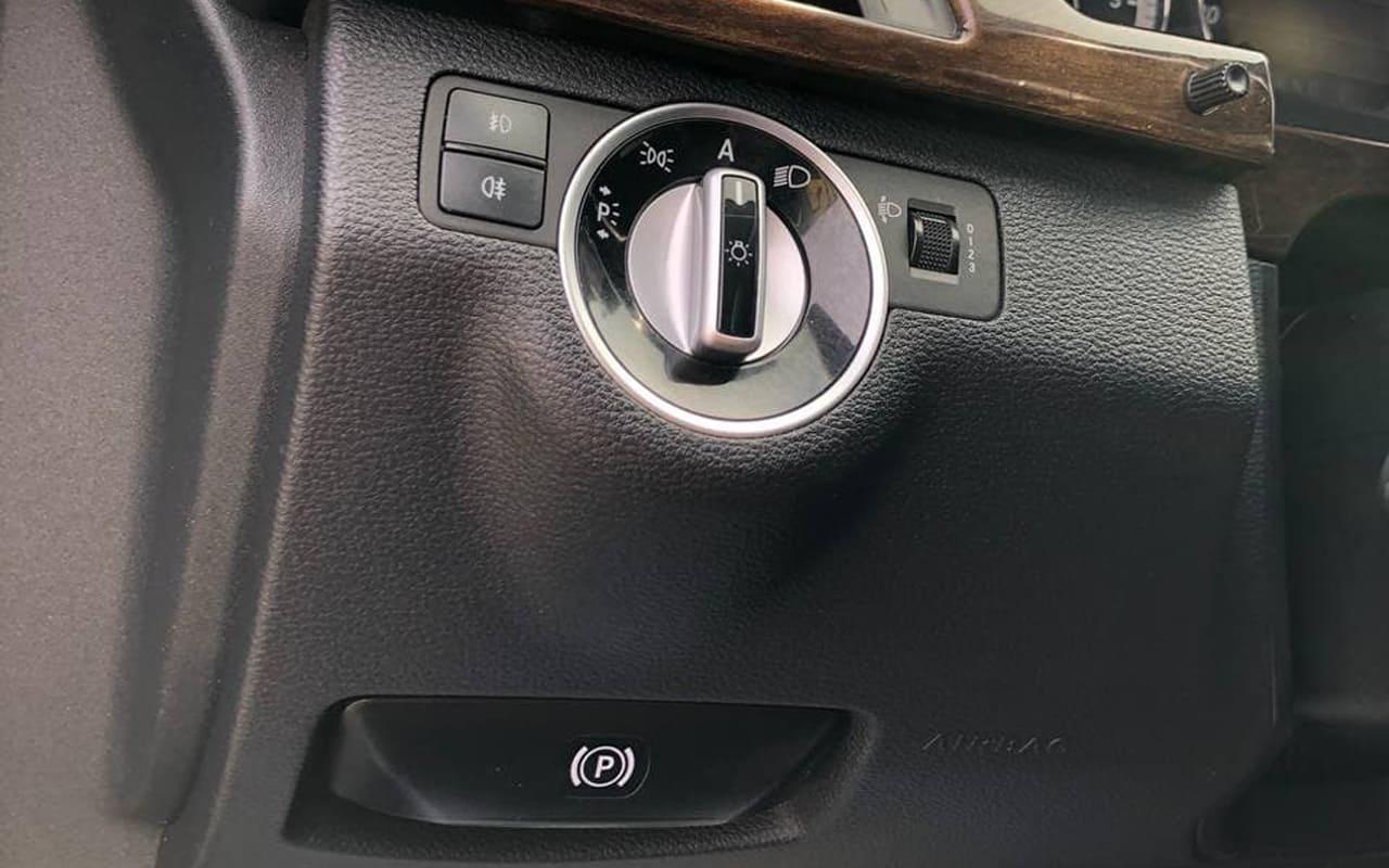 Mercedes-Benz E 200 2011 фото №17