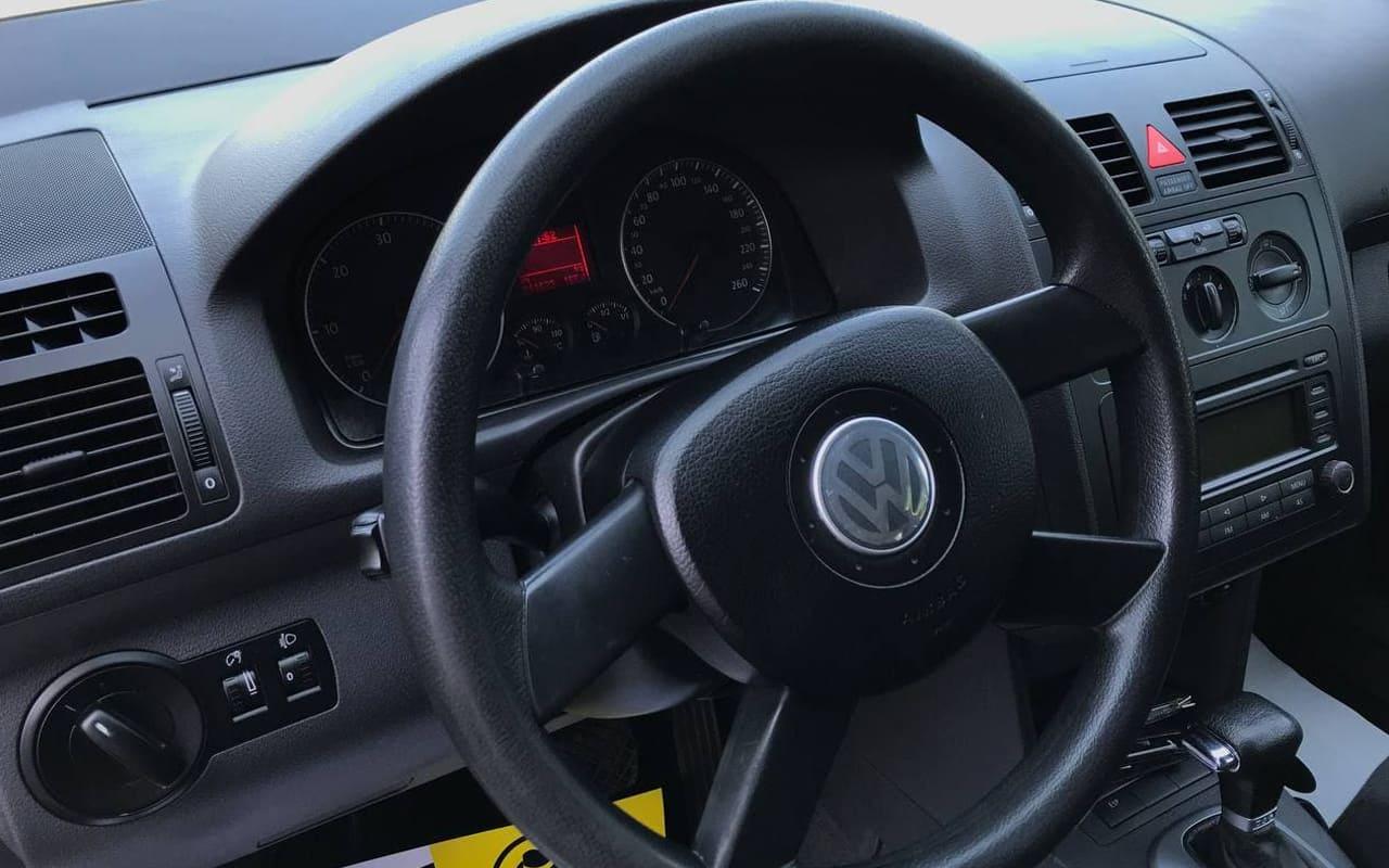 Volkswagen Touran 2005 фото №13