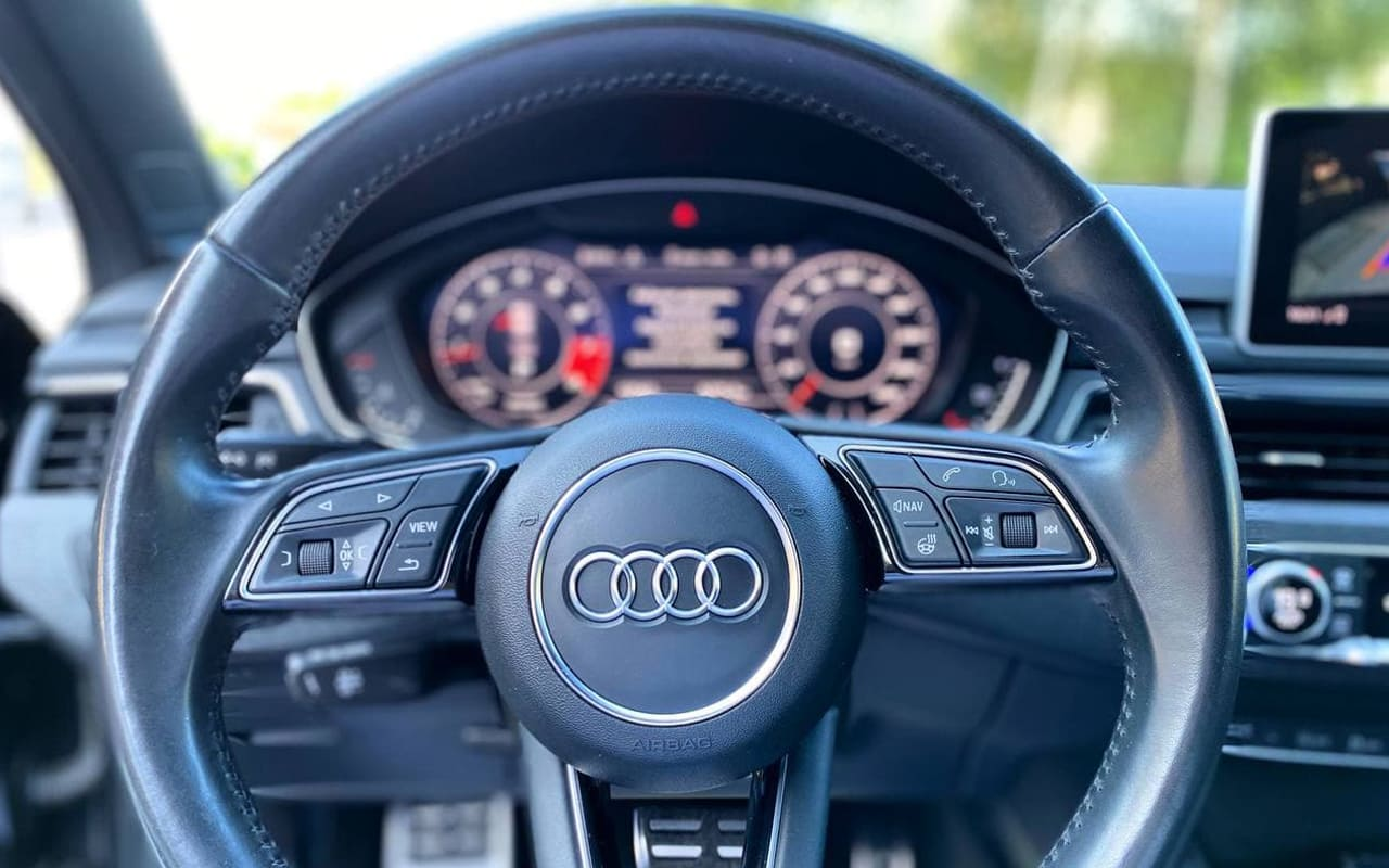 Audi A4 Premium Plus 2017 фото №17