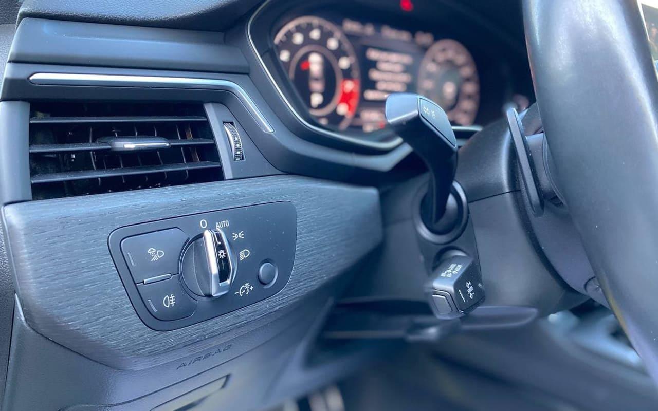 Audi A4 Premium Plus 2017 фото №19