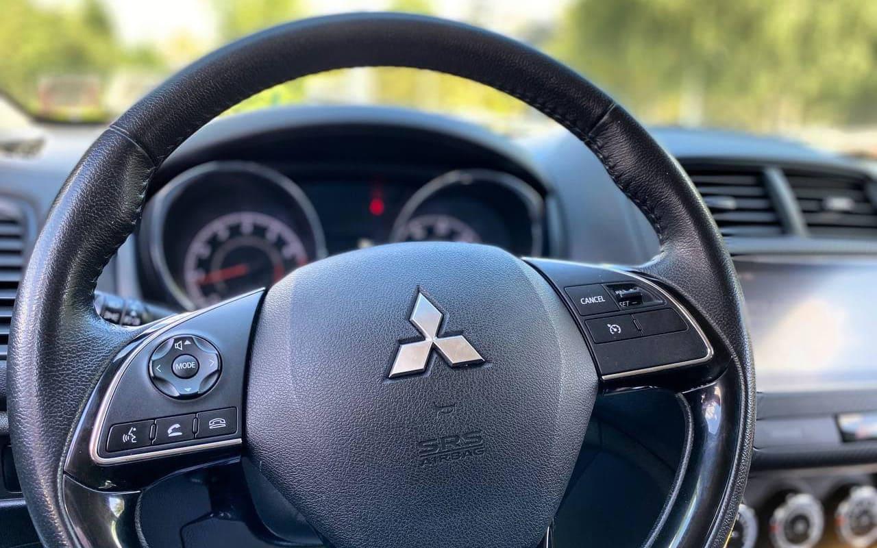 Mitsubishi Outlander Sport SE 2017 фото №17