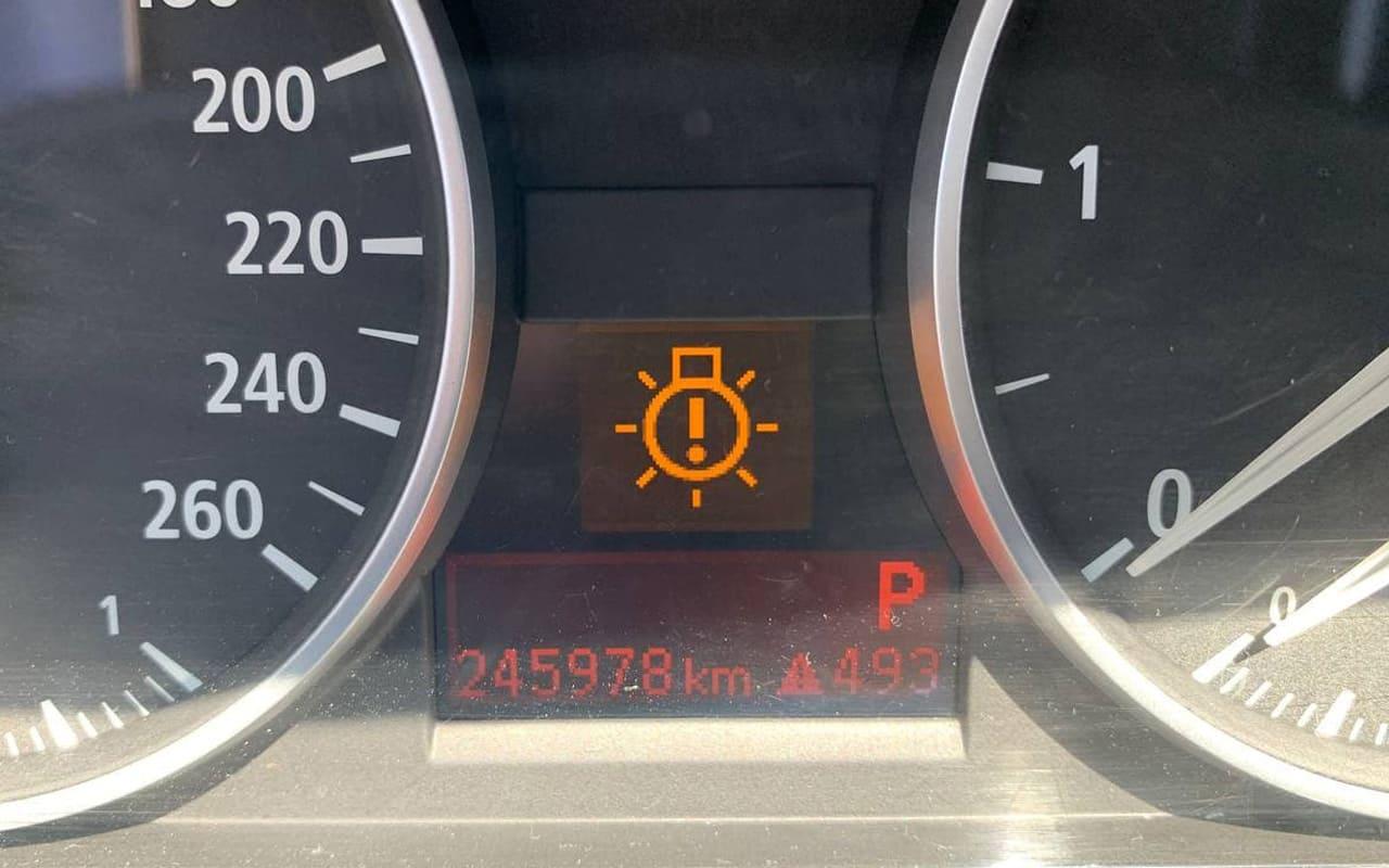 BMW 320 2006 фото №17
