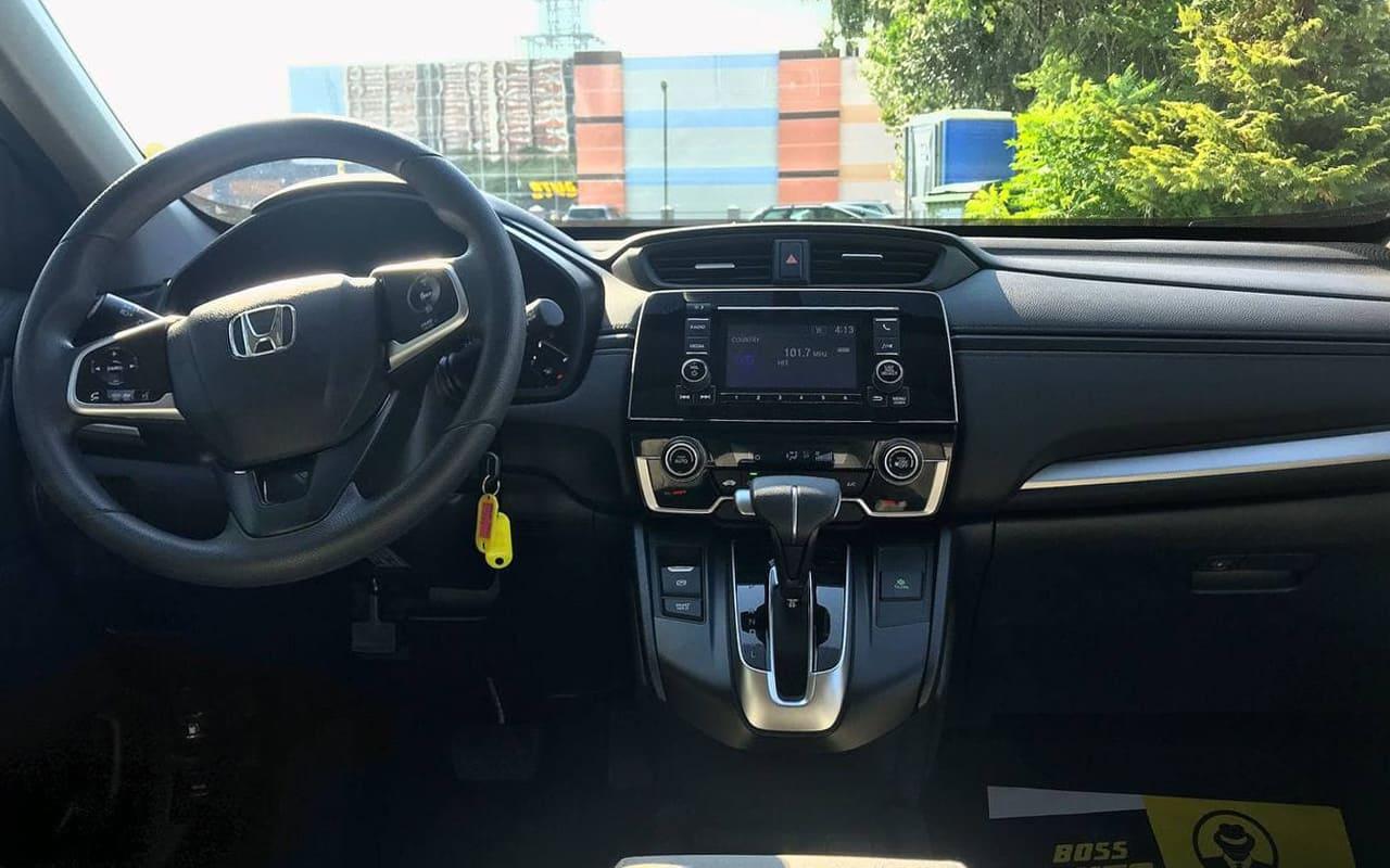 Honda CR-V LX 2018 фото №18