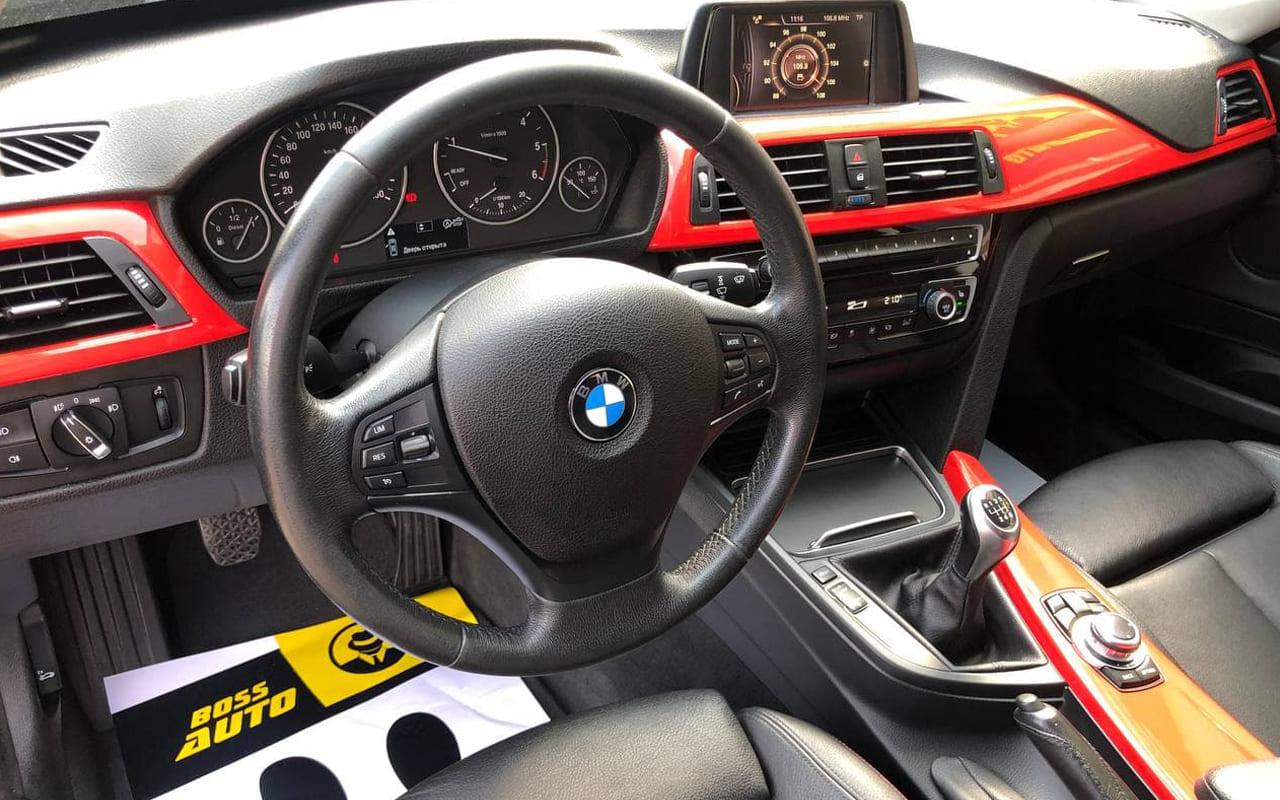 BMW 320 GT 2017 фото №20