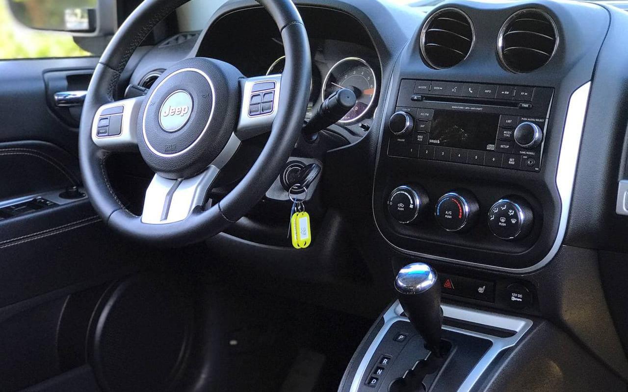 Jeep Compass Latitude 2017 фото №17