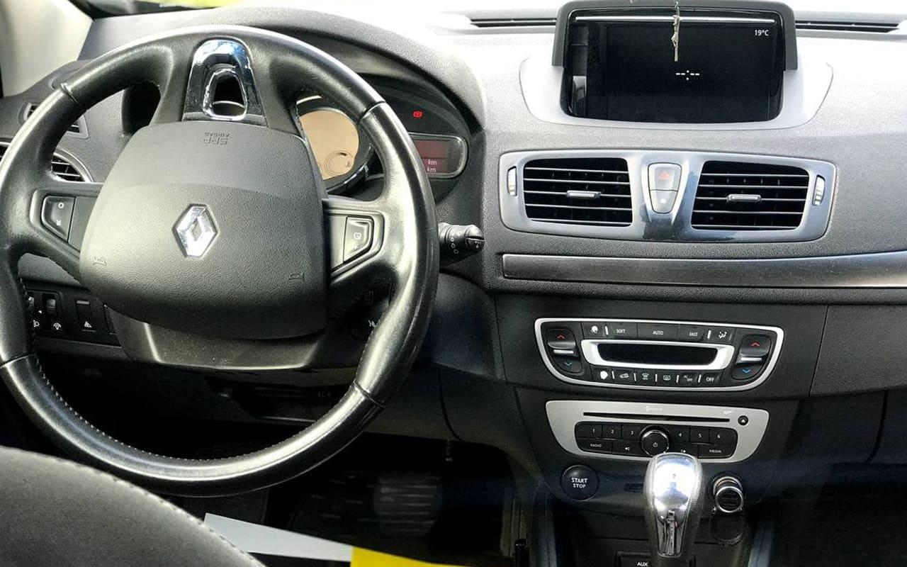Renault Megane 2014 фото №18