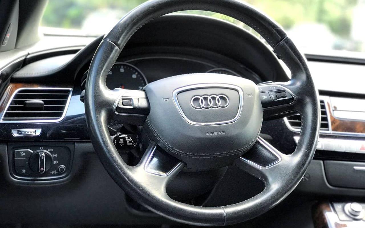 Audi A8 Long 2014 фото №16