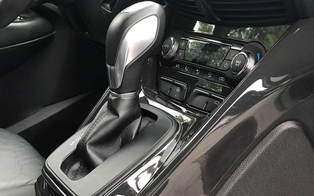Ford Escape Titanium 2015 фото №14