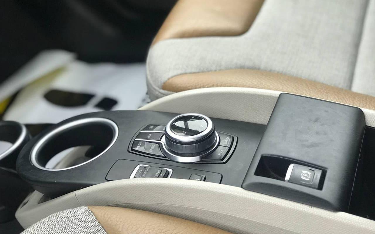 BMW I3 Rex 2017 фото №11