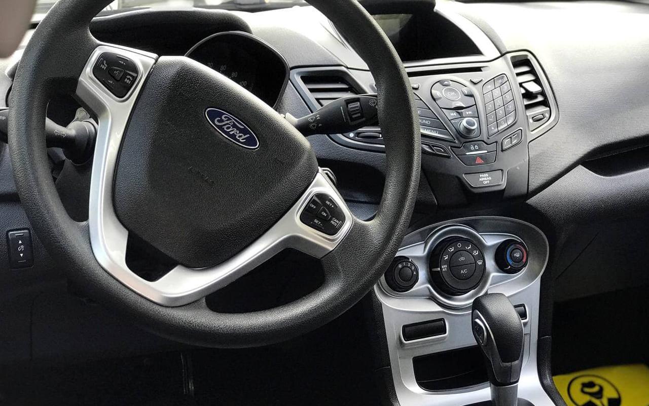 Ford Fiesta Se 2017 фото №13