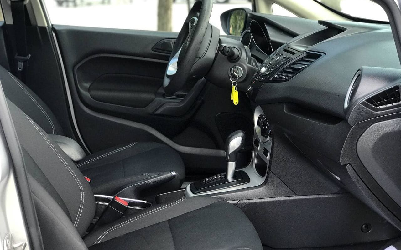 Ford Fiesta Se 2017 фото №16