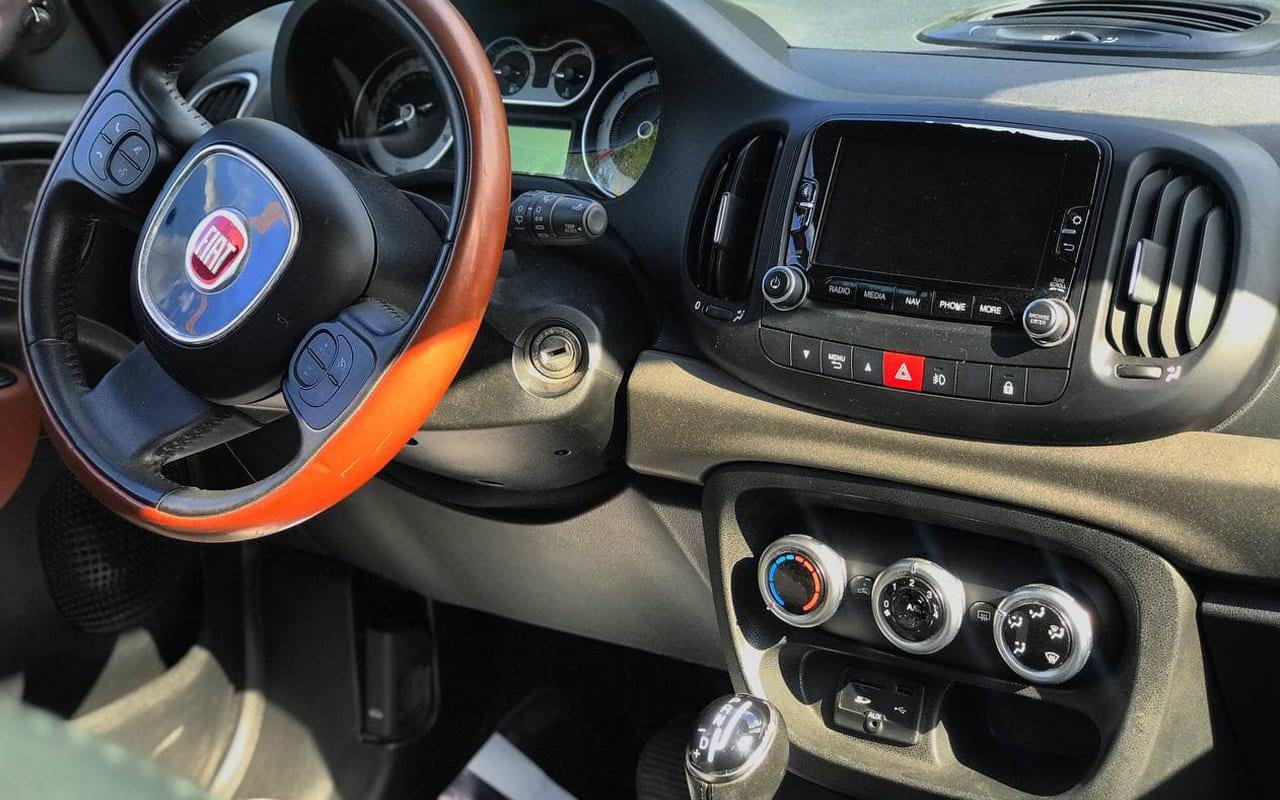 Fiat 500 L 2014 фото №16