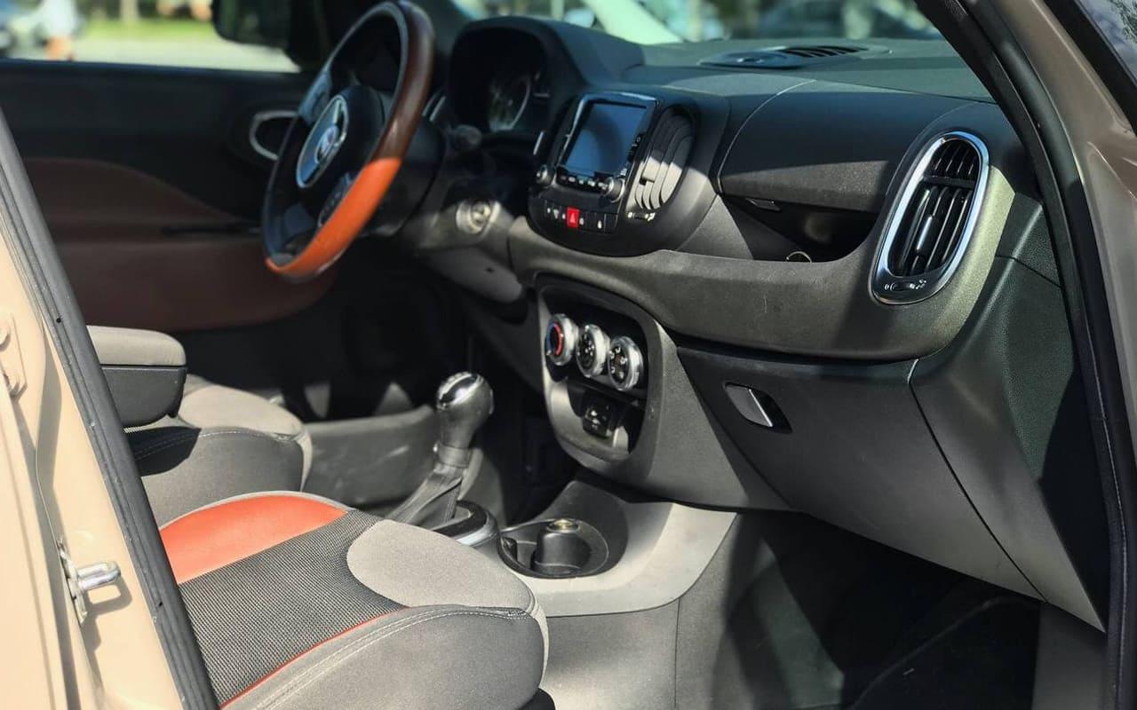 Fiat 500 L 2014 фото №17