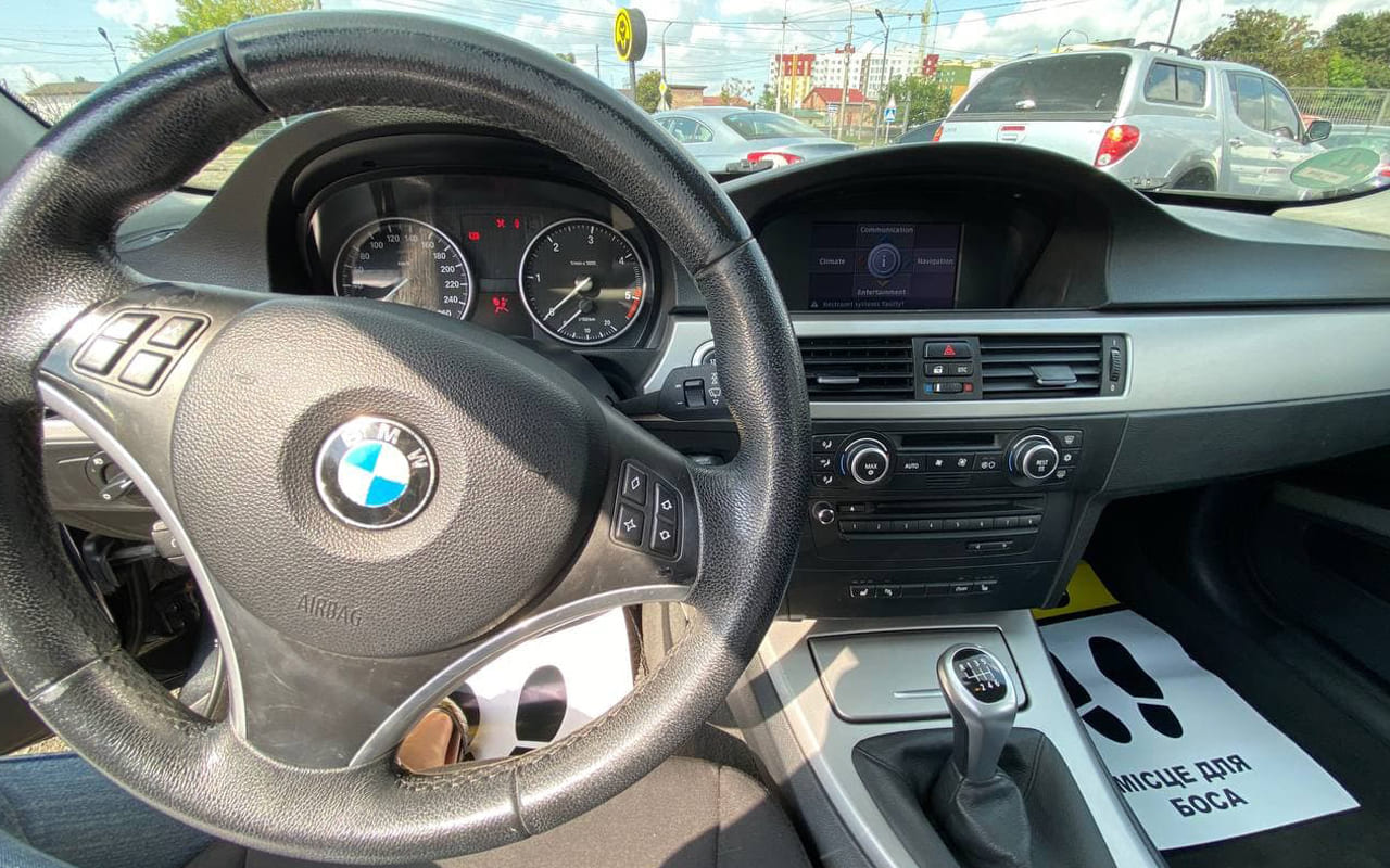 BMW 318 2008 фото №13