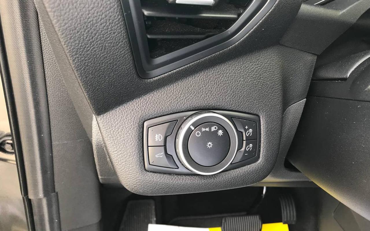 Ford Escape Sel 2019 фото №17