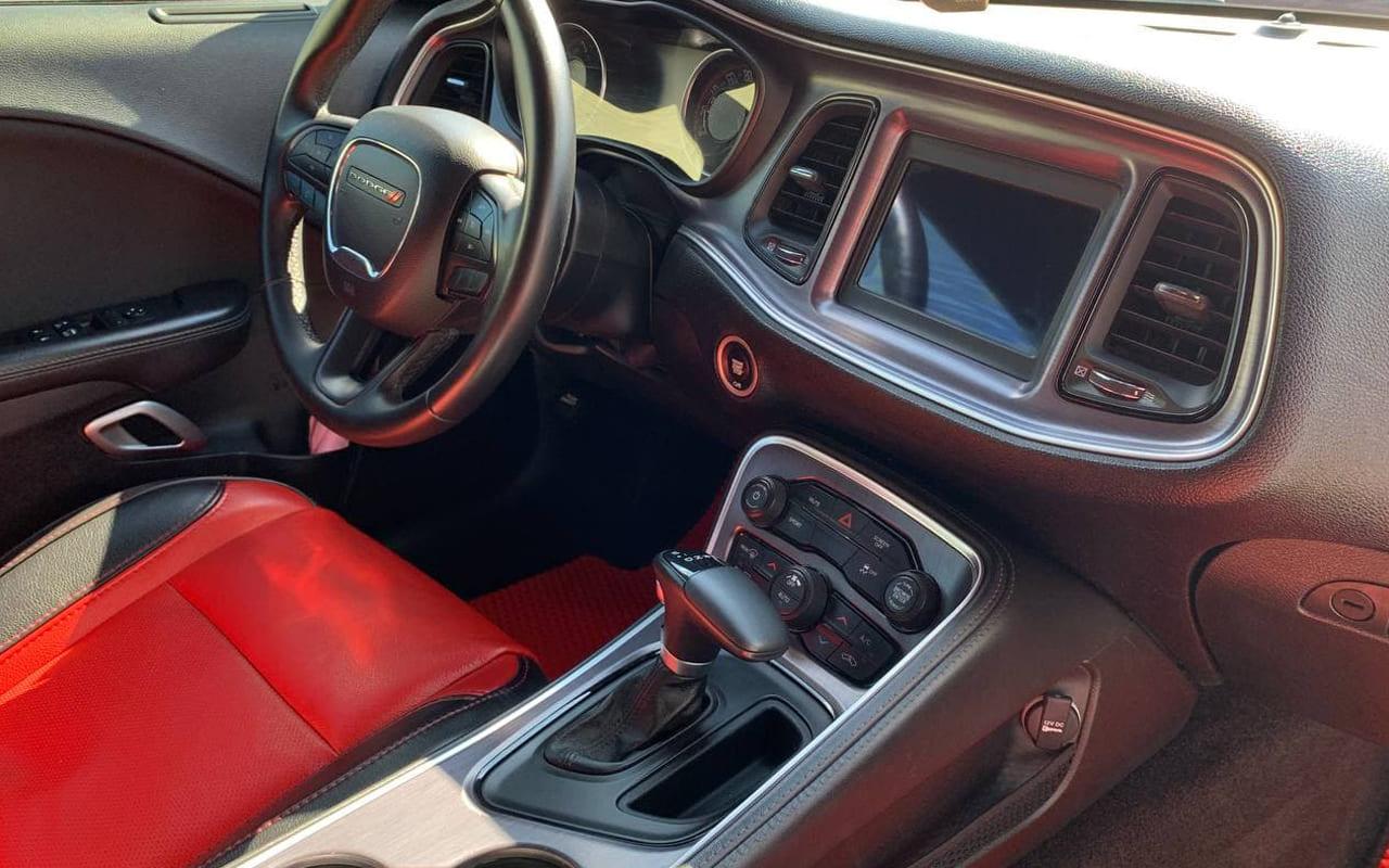 Dodge Challenger Sxt 2018 фото №18