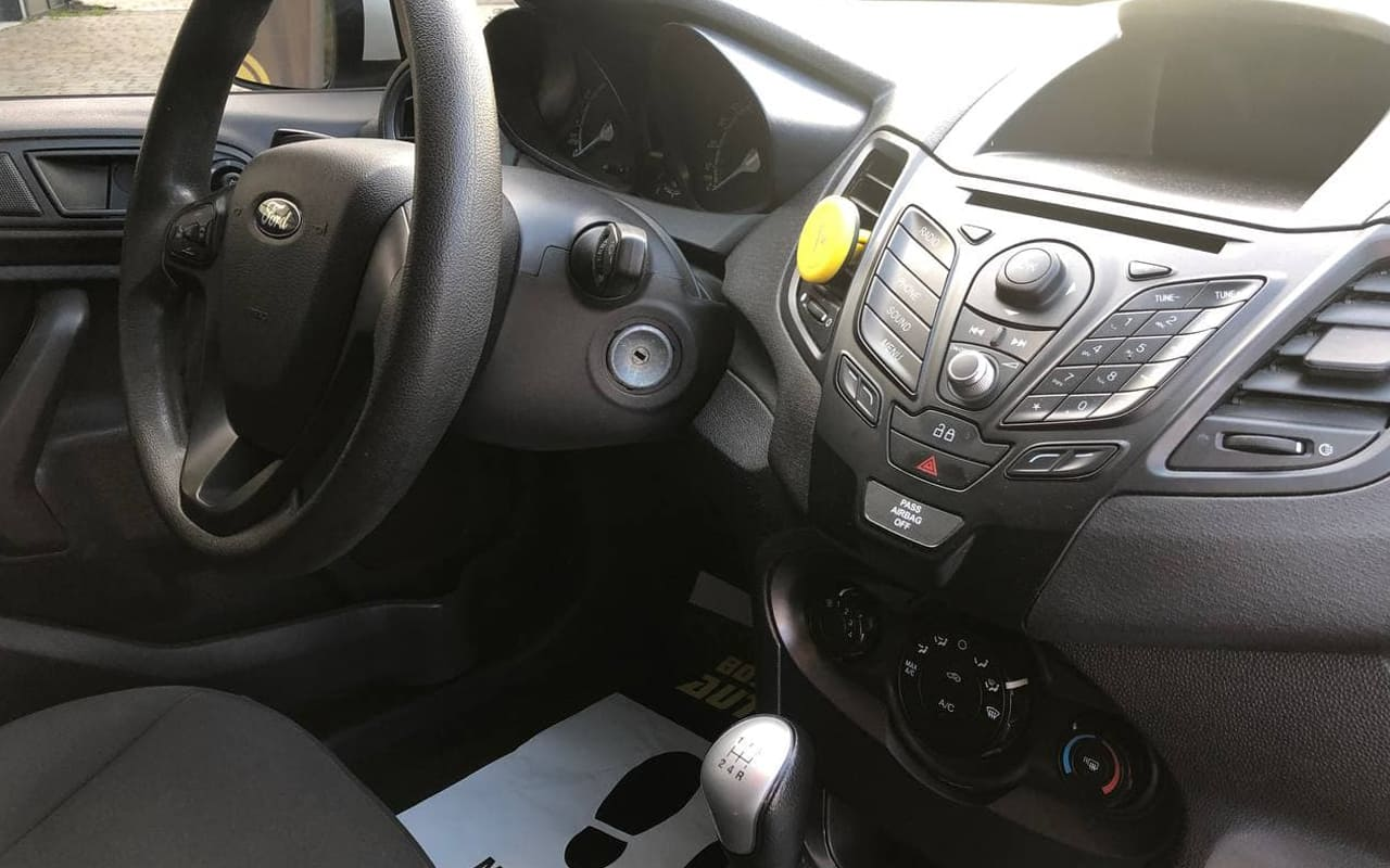 Ford Fiesta S 2015 фото №19