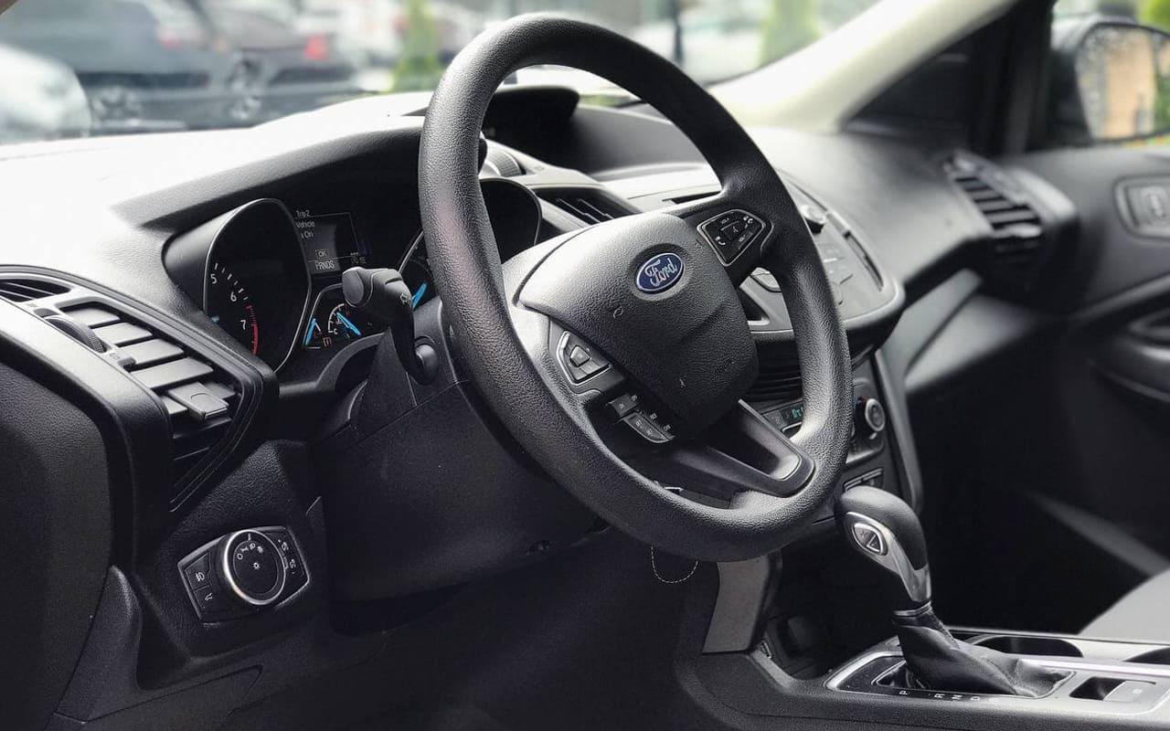 Ford Escape Se 2018 фото №16