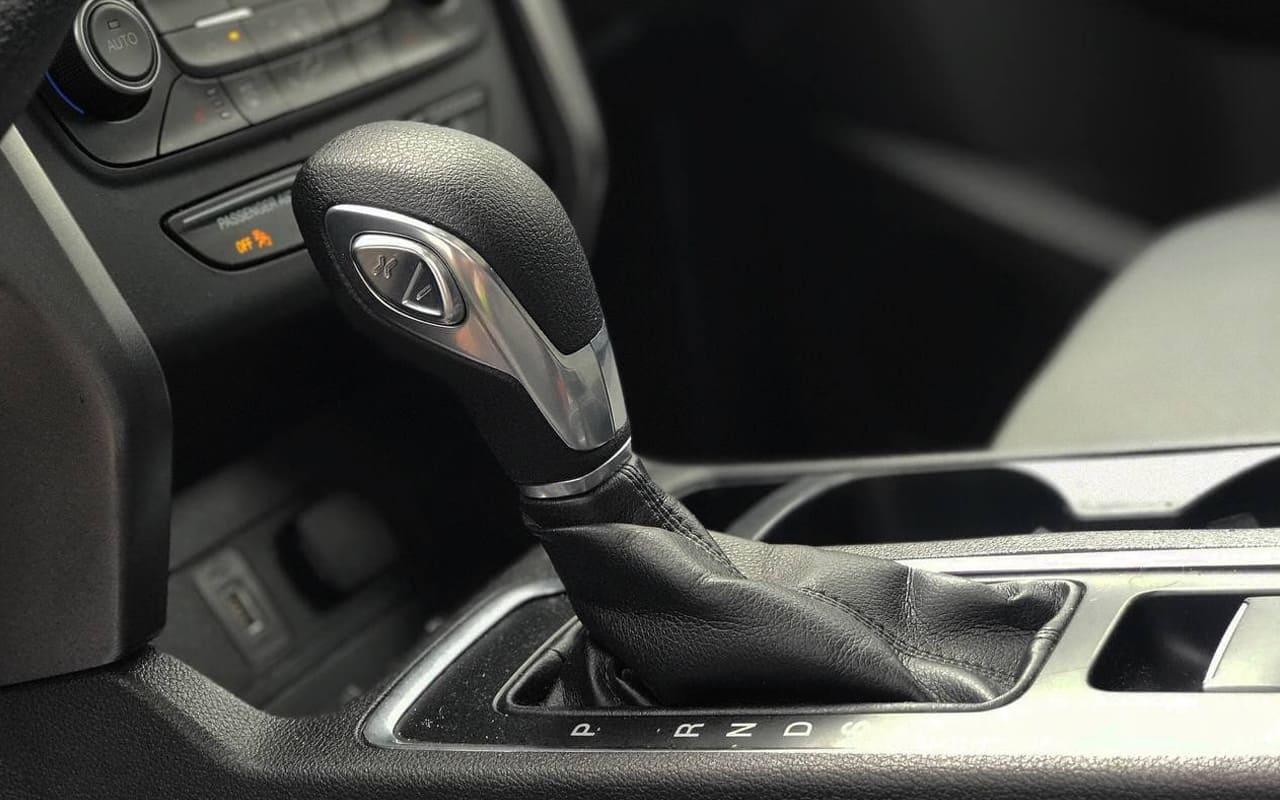 Ford Escape Se 2018 фото №18