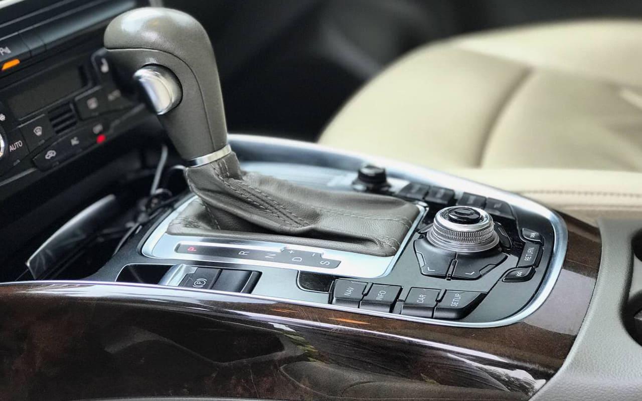 Audi Q5 2010 фото №13