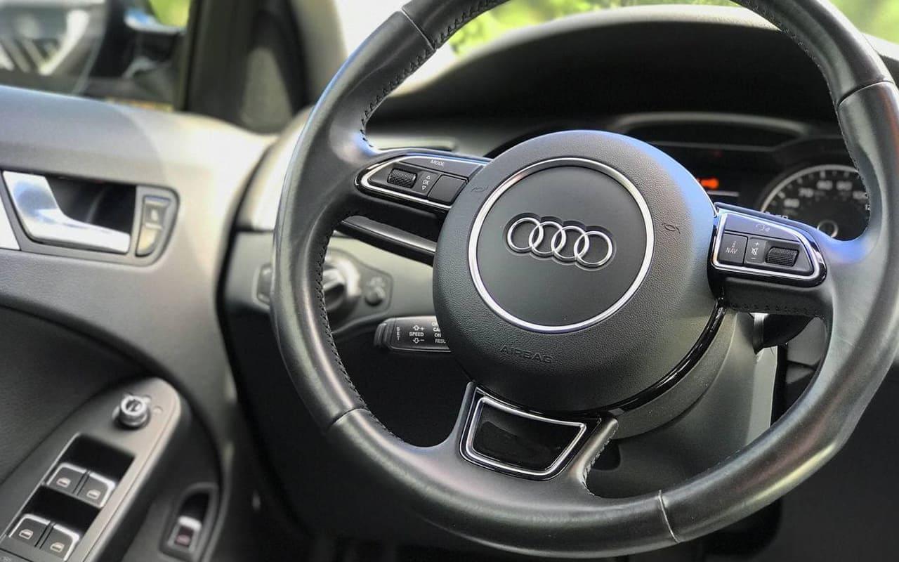 Audi A4 Premium 2016 фото №16