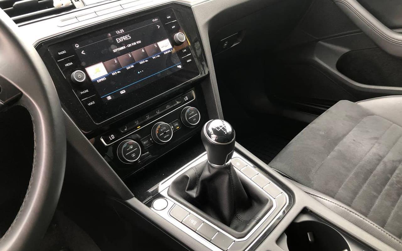 Volkswagen Passat 2018 фото №14