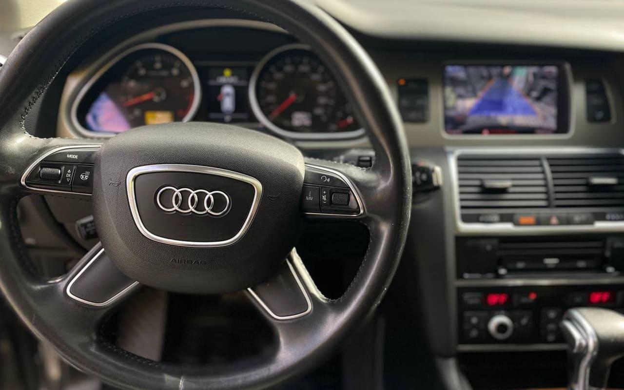Audi Q7 2015 фото №12