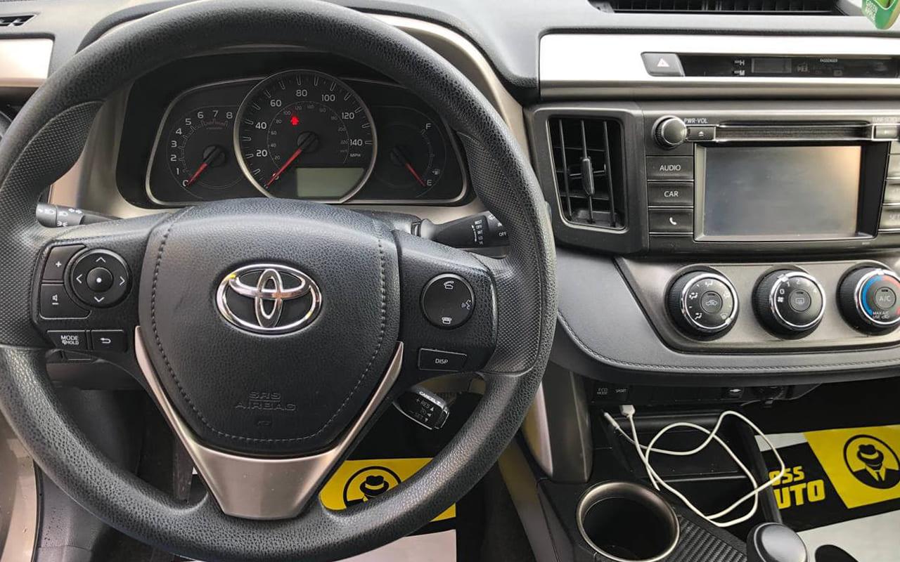 Toyota RAV4 LE 2015 фото №17