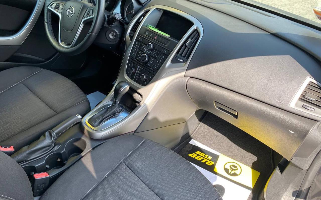 Opel Astra J 2012 фото №18